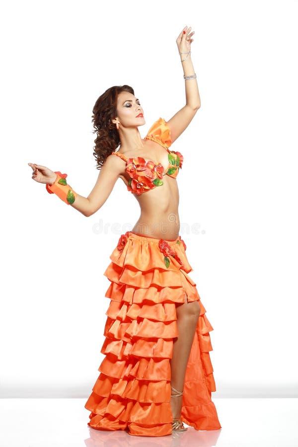 Fille dans la robe hawaïenne photos stock
