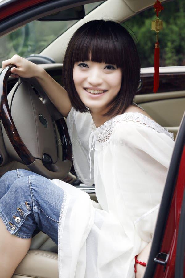 Fille dans le véhicule. photographie stock libre de droits