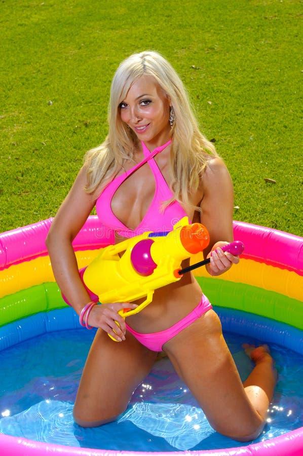 Fille de bikini d'amusement image stock