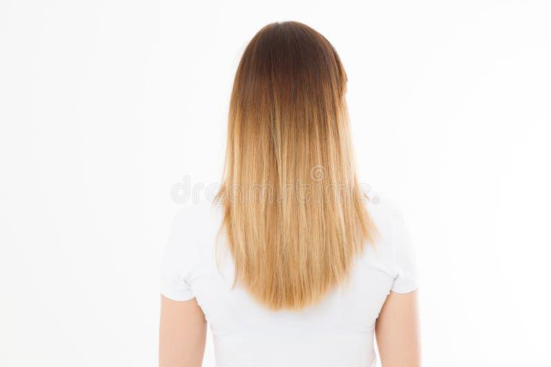 Fille de brune avec l'ombre blond long et les cheveux sains droits lisses d'isolement sur le fond blanc Coiffure de mode de jeune photo stock