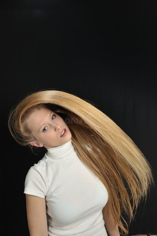 Fille de l'adolescence d'âge de long cheveu blond sexy images libres de droits