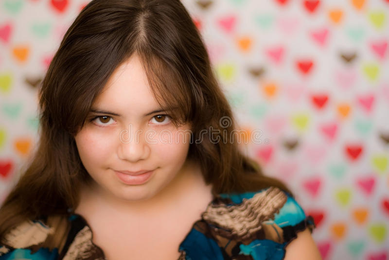 Fille de l'adolescence timide de Valentine photo stock