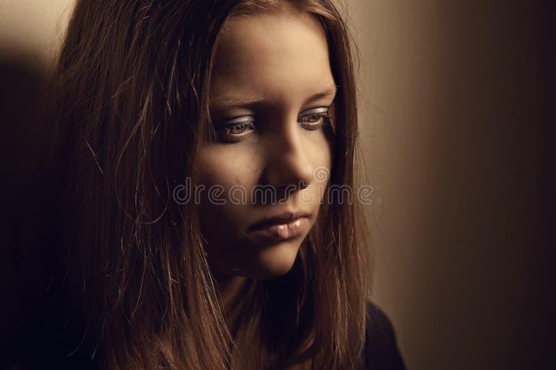 Fille de l'adolescence triste images stock