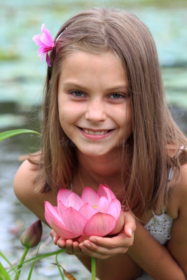 Fille de lotus images stock