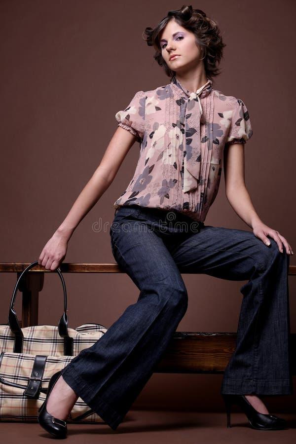 Fille de mode avec le sac, 2. images libres de droits