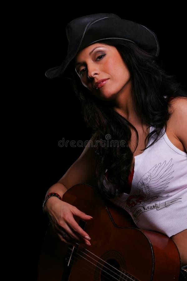 Download Fille De Pays Jouant La Guitare 2 Photo stock - Image du beau, assez: 2127652