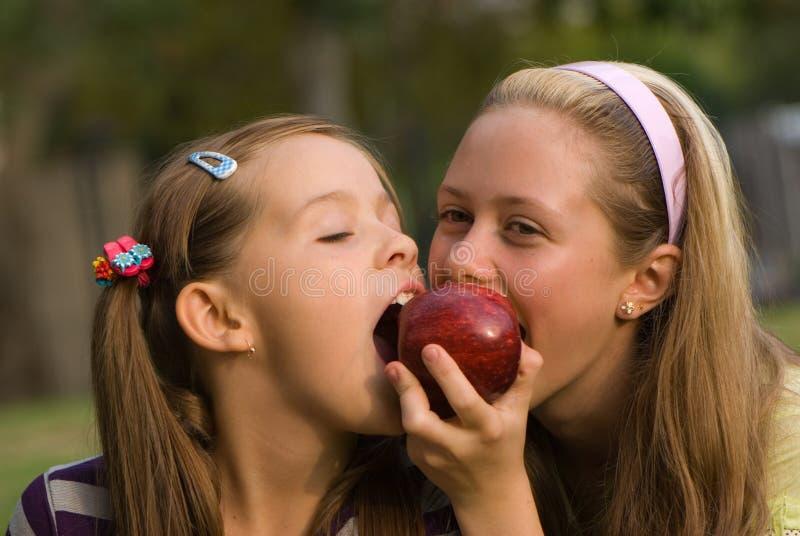 fille de pomme photo stock
