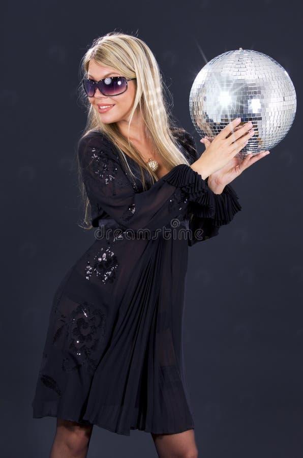 Fille de réception avec la bille de disco photos libres de droits