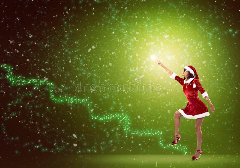 Fille de Santa dans le costume images stock