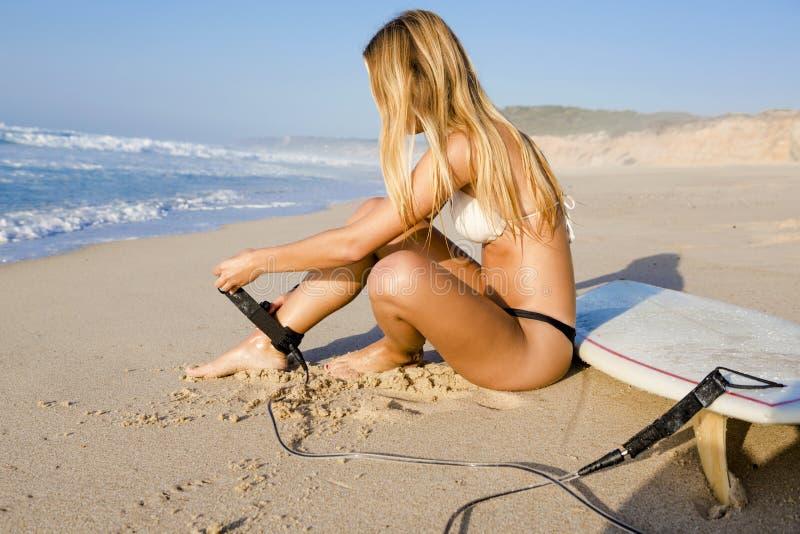 Fille de surfer image stock