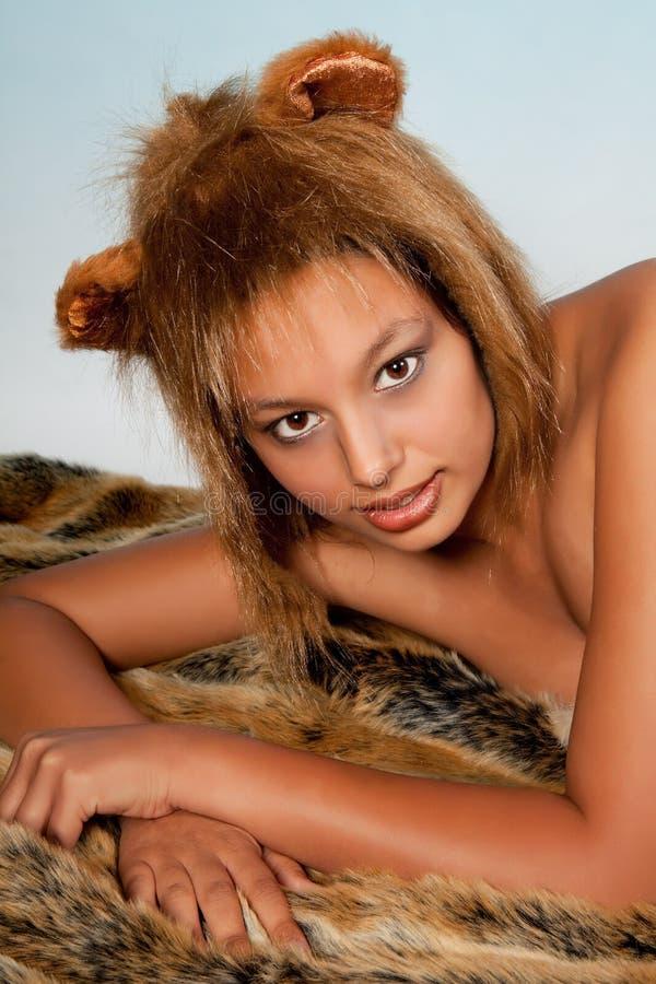 Fille de zodiaque de lion images stock
