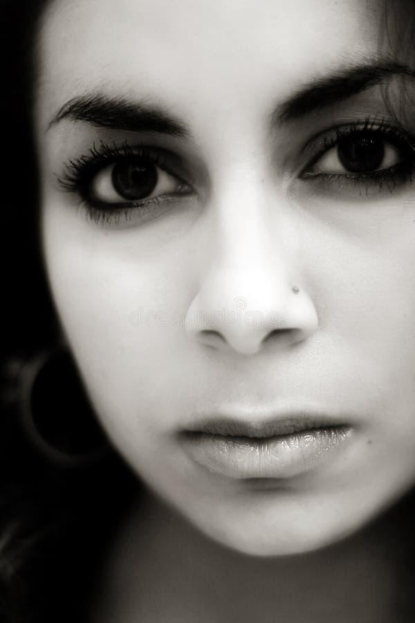 Fille du Moyen-Orient triste photos libres de droits