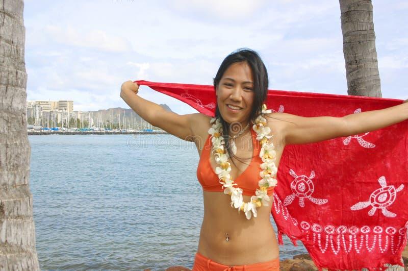 Fille Hawaïenne Dans Le Bikini Photos libres de droits