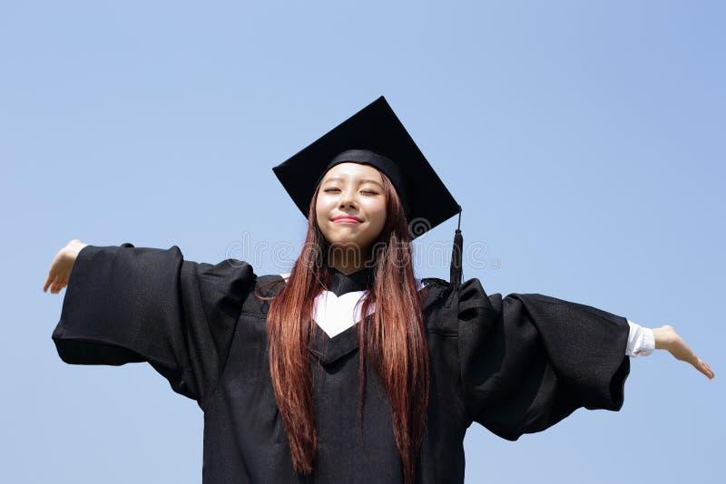 Fille heureuse d'étudiant de troisième cycle image libre de droits