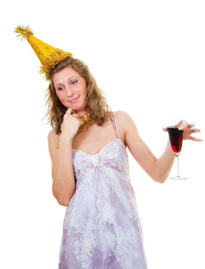 Fille ivre avec une glace de vin photos stock