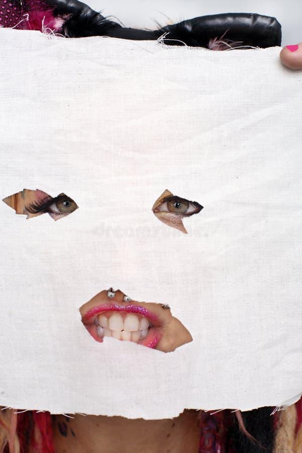 Fille masquée photo libre de droits