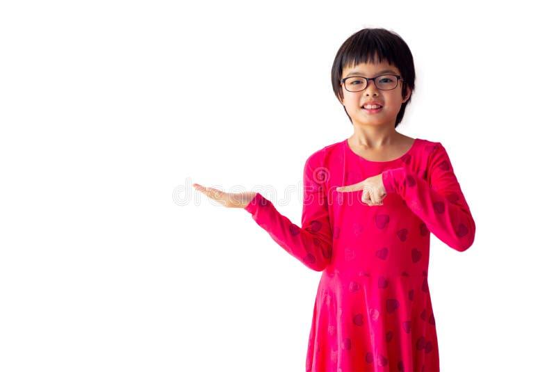 Fille mignonne asiatique de portrait avec le visage de sourire pour la publicité et le panneau d'affichage Studio tiré de la jeun photos libres de droits
