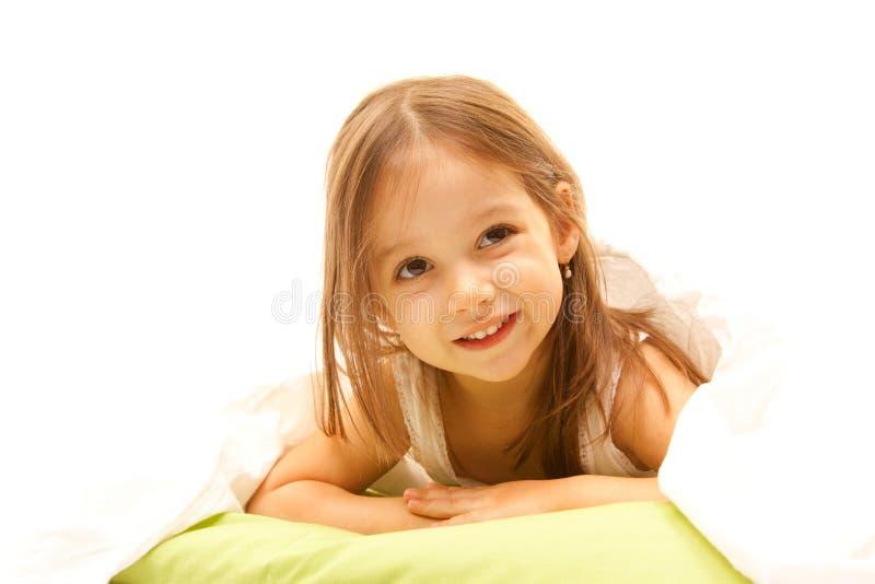 Fille mignonne avec les yeux bruns photos stock