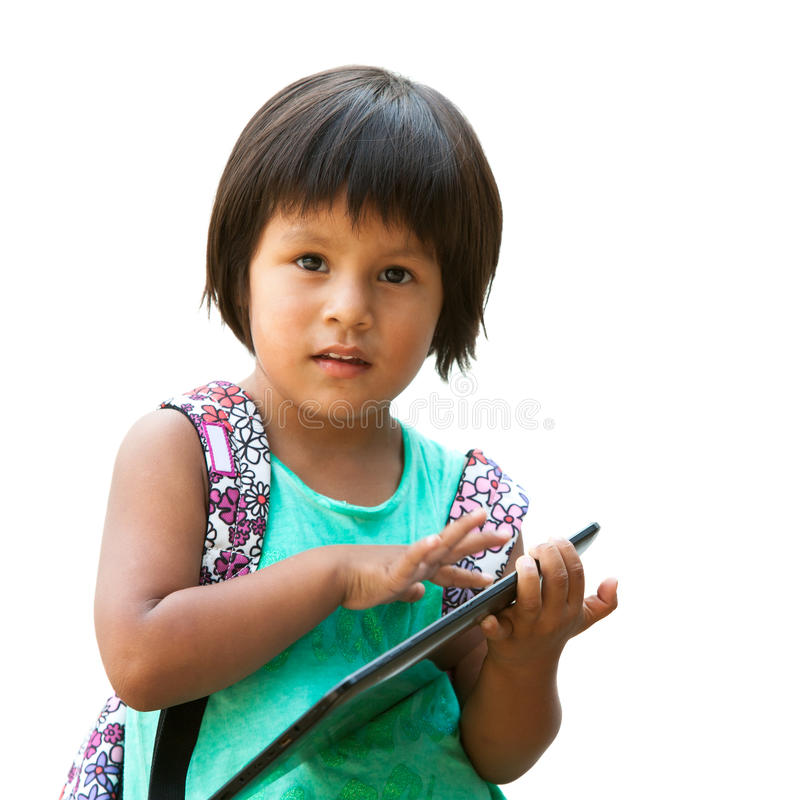 Fille mignonne de natif américain avec le comprimé. image stock