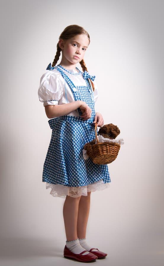 Fille rectifiée vers le haut de comme Dorothy d'once photographie stock libre de droits