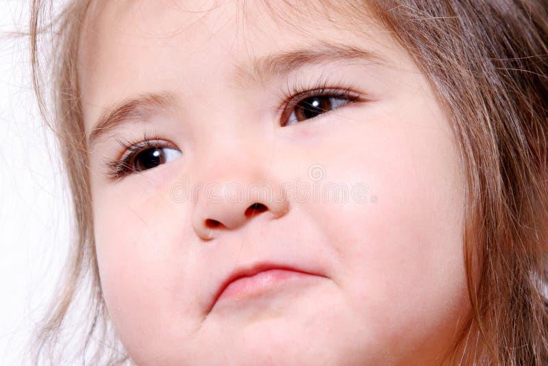 Fille rougeoyante d'enfant en bas âge photo libre de droits