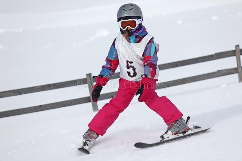 Fille sur le ski photos stock