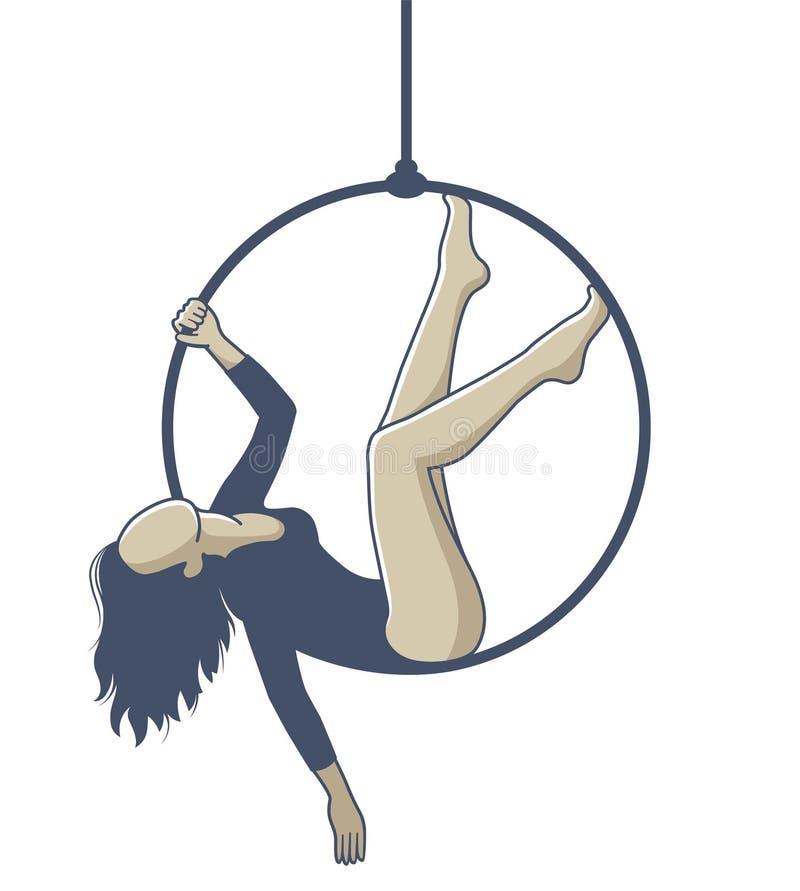 Fille sur un cercle accrochant sur une corde et faisant l'exercice illustration libre de droits