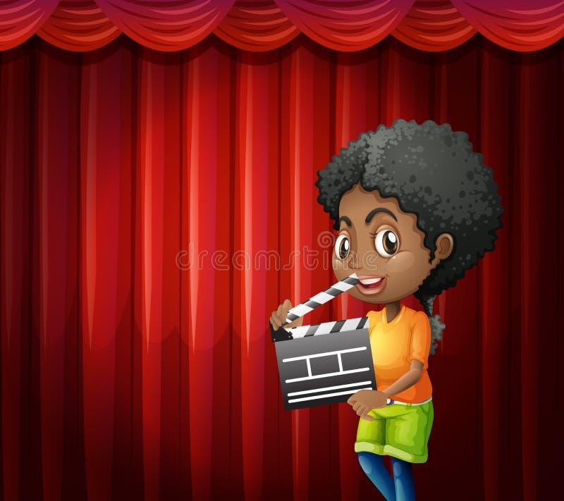 Fille tenant le bardeau devant le rideau rouge illustration stock