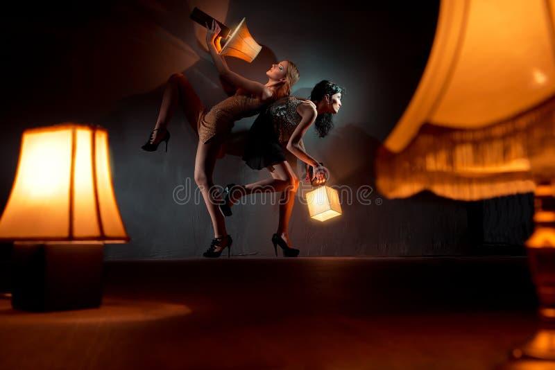 Filles avec la lanterne images libres de droits