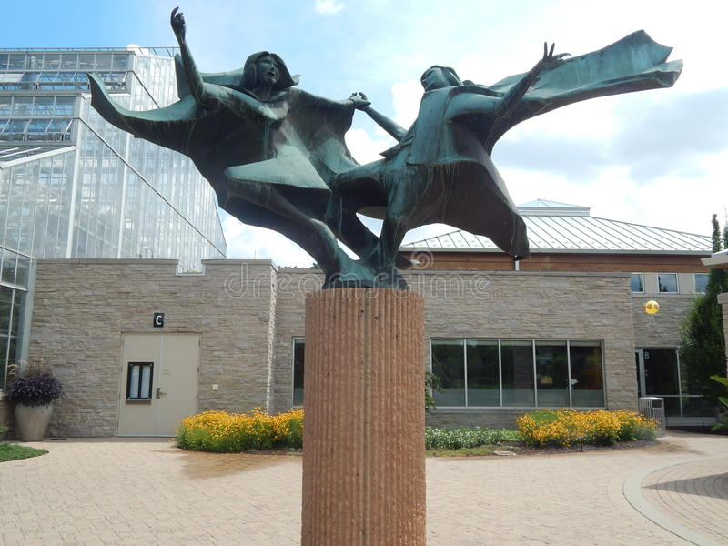 Filles dansant la sculpture photo stock
