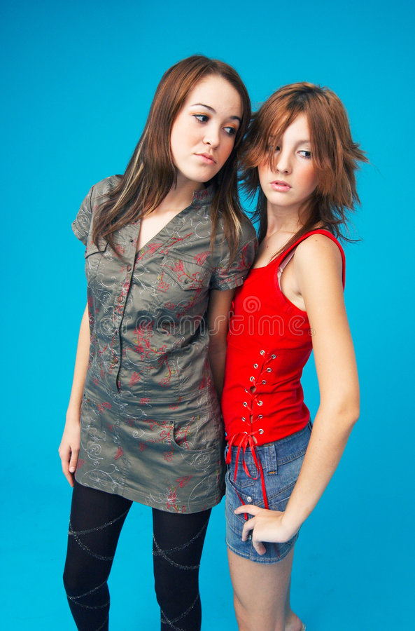 Filles de l'adolescence proches images stock