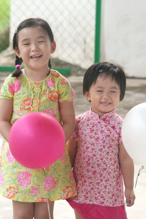 Filles et ballons image libre de droits