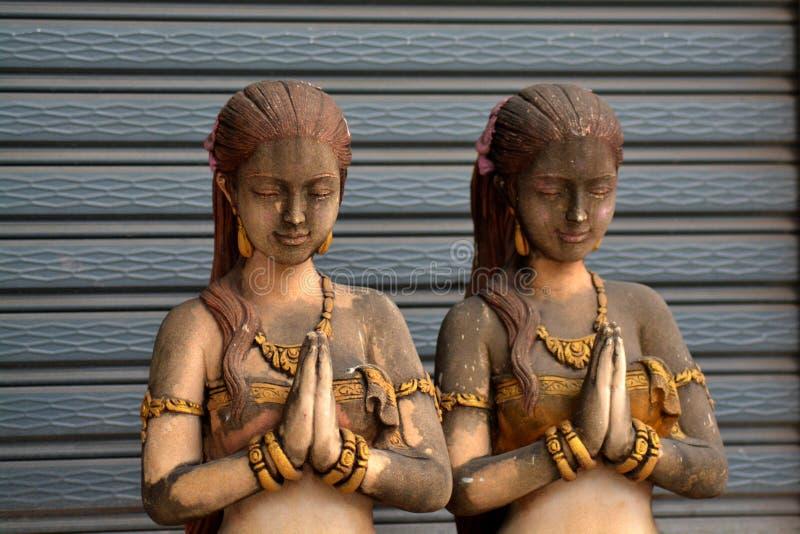 Filles thaïlandaises en pierre photographie stock libre de droits