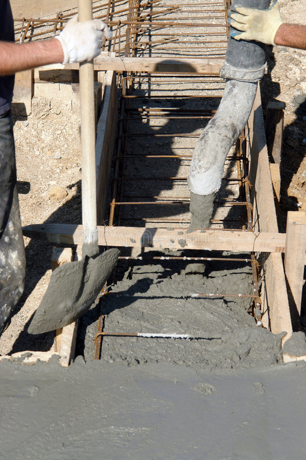 Filling foundation with concrete mix