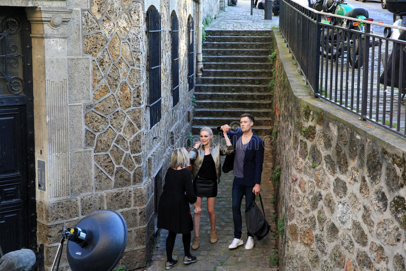Film op Montmartre in Parijs, Frankrijk stock afbeelding