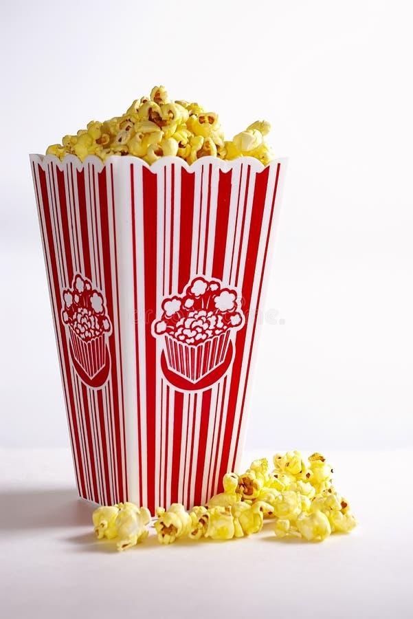 Film-Popcorn lizenzfreie stockfotografie