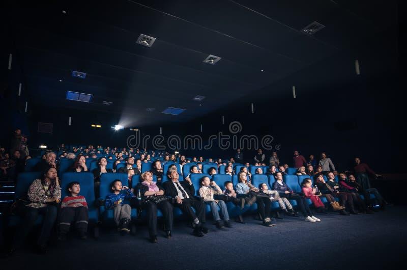 Filme de observação dos povos imagem de stock royalty free