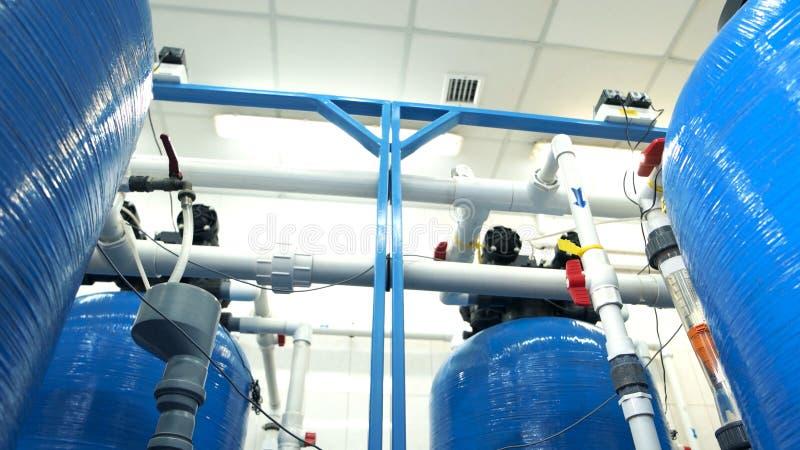 Filtres d'eau industriels étroitement  images libres de droits