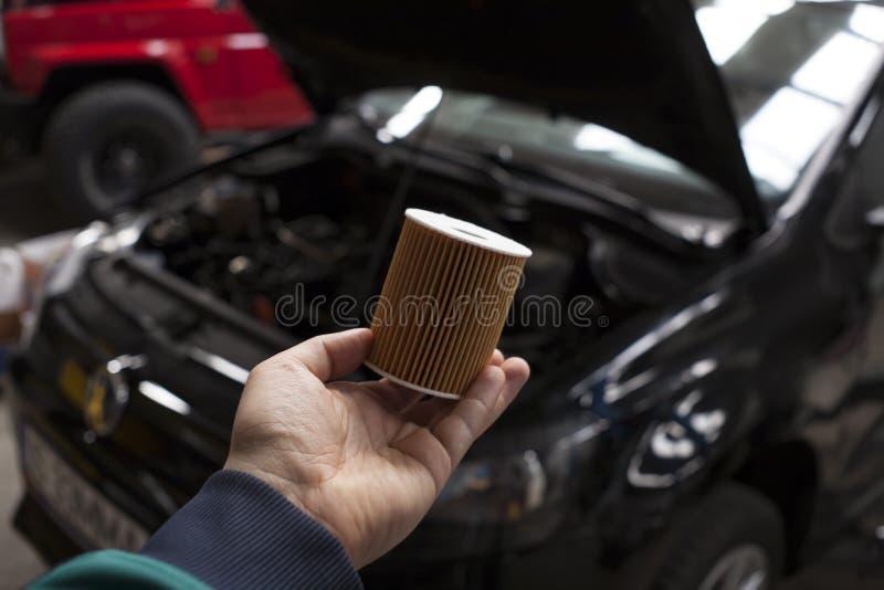 Filtro de óleo novo do carro imagens de stock royalty free