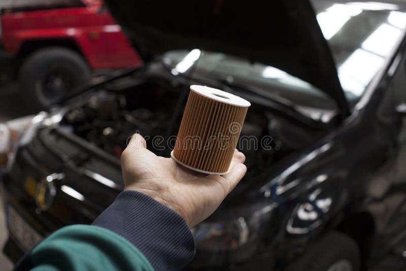 Filtro de óleo novo do carro imagem de stock