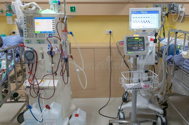 Filtro limpio de la sangre de la sangre del riñón de la máquina de diálisis foto de archivo libre de regalías