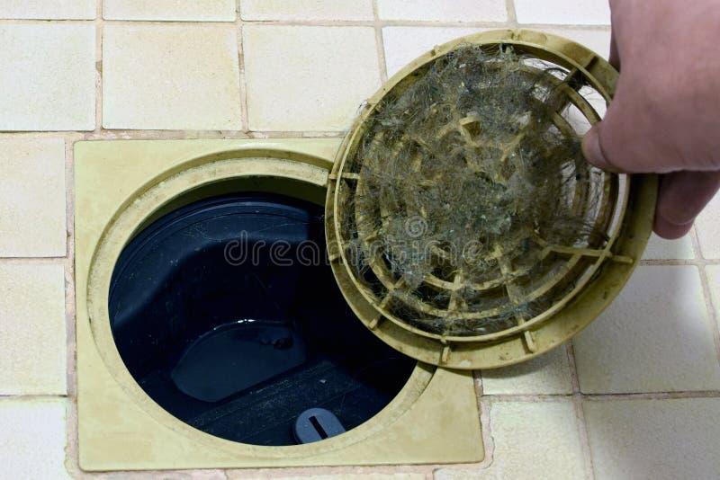 Filtro obstruído do dreno do chuveiro/banheiro foto de stock royalty free