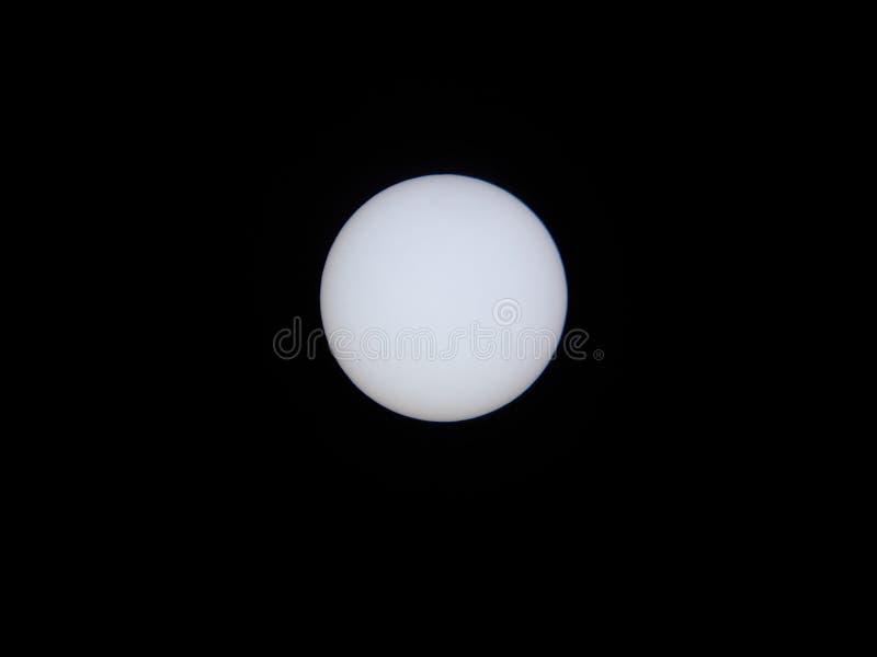 Filtro solar y telescopio con mercurio en tránsito imagen de archivo libre de regalías