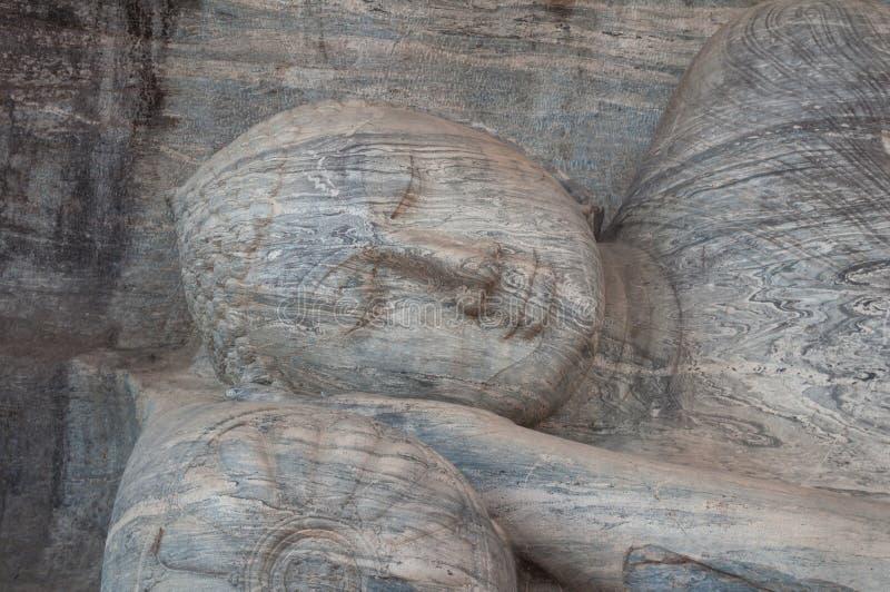 Estátua de reclinação de Buddha do granito no galão Vihara, Polonnaruwa Sri Lanka imagens de stock