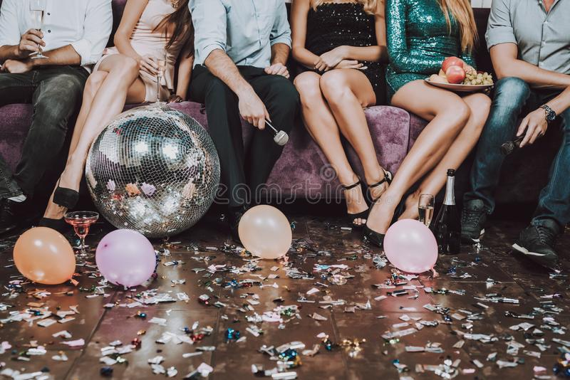 Fim acima nightclub Tenha o divertimento Champagne Aniversário imagens de stock royalty free