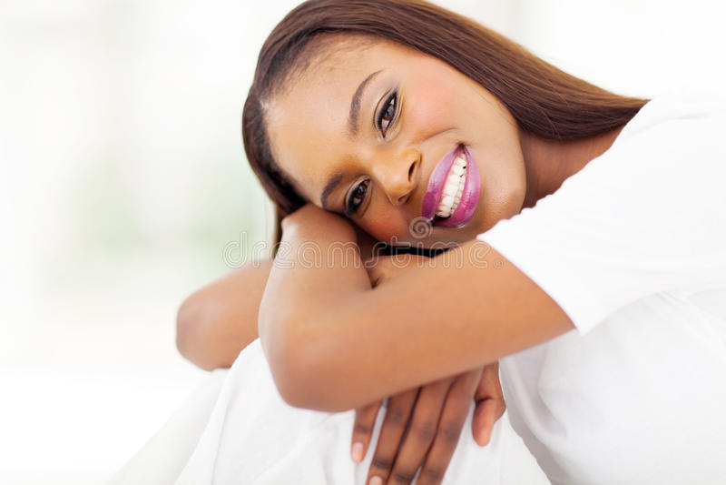 Fim africano da mulher acima foto de stock royalty free