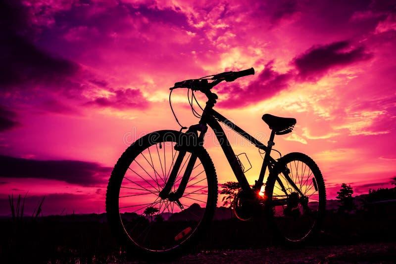 Fim bonito acima da cena da bicicleta imagem de stock