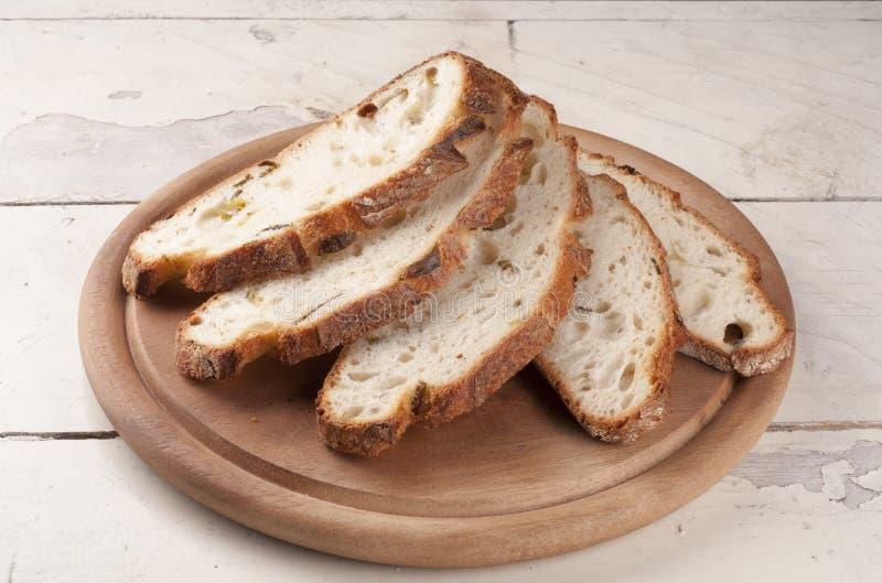 Fim cortado fresco do pão acima imagem de stock royalty free