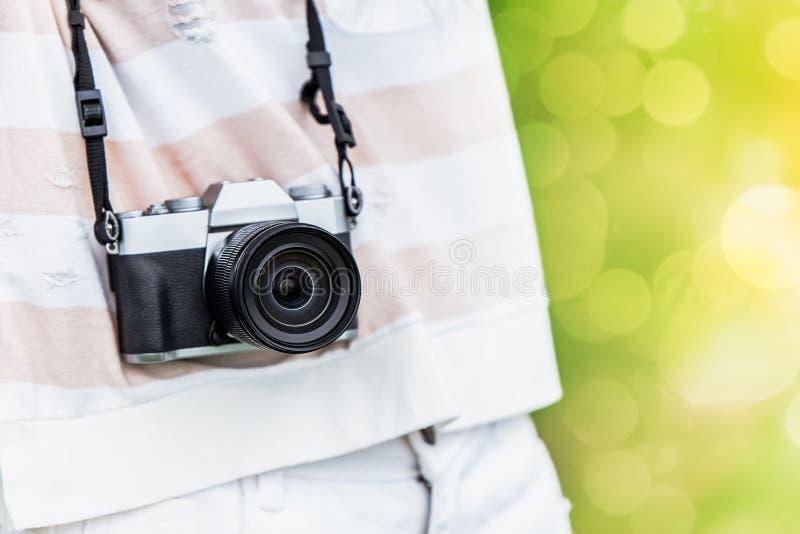 Fim da fotografia digital da câmera de Mirrorless acima imagem de stock royalty free