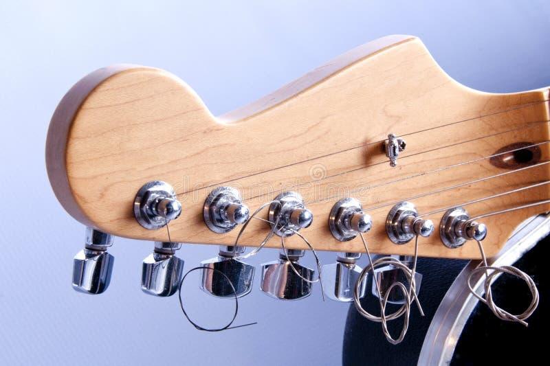 Fim da guitarra acústica acima da imagem fotos de stock royalty free